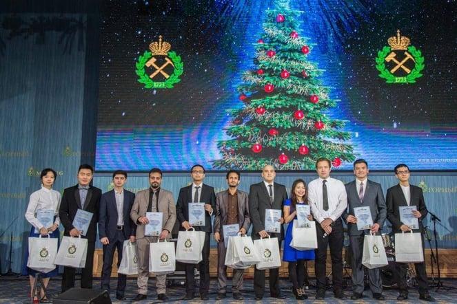 Thiên Thanh nhận học bổng ACCA từ SAPP Academy